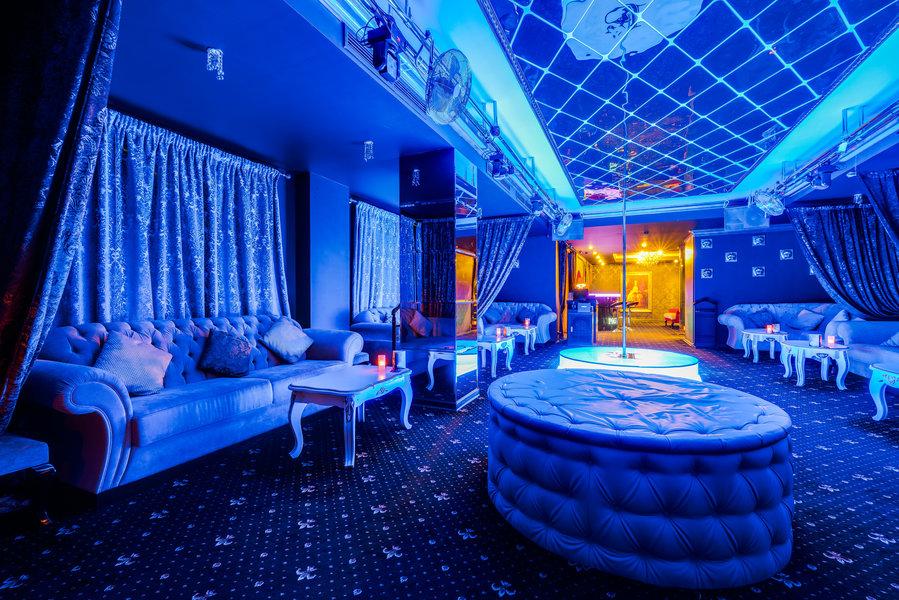 Клубы москвы круглосуточно ночные адреса что произошло в ночном клубе хромая лошадь