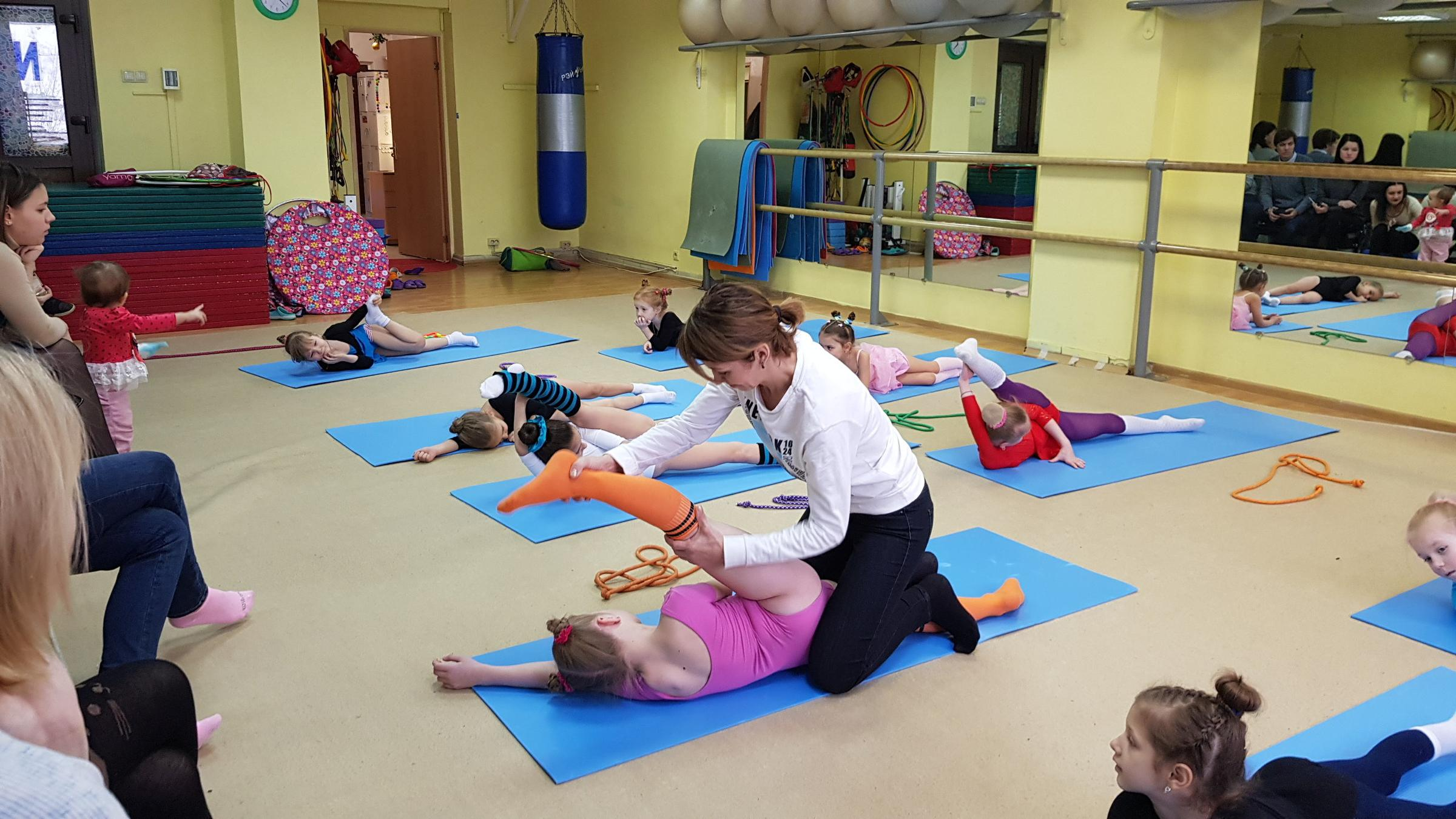 Администратор на ресепшн в фитнес клуб москва фитнес клубы олимп москва