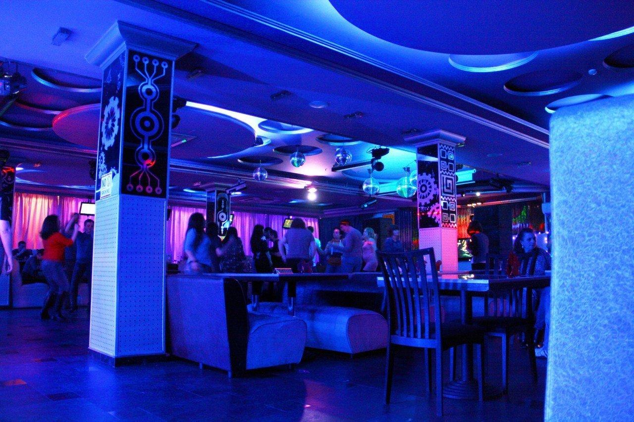 Шлюхи москвы ночные клубы 19 фотография