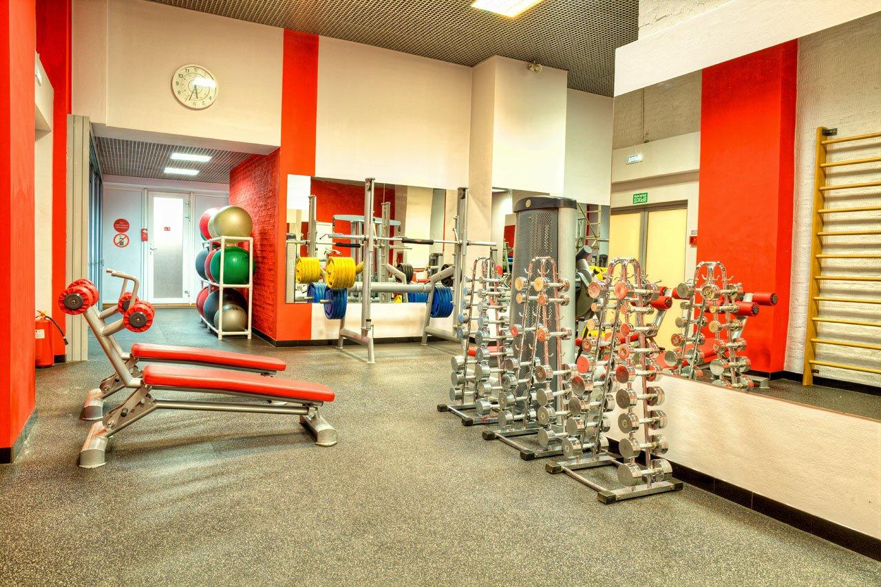 Смотреть онлайн раздевалка в фитнес клубе 8 фотография