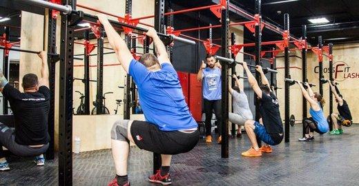Гибкая наташа скачет на члене фитнес тренера