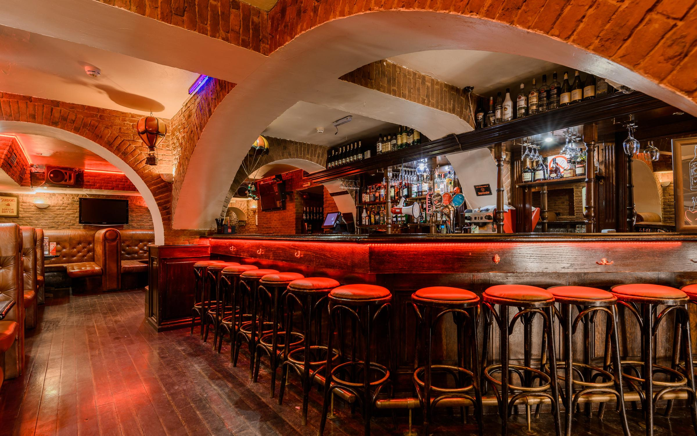 фотография Karaoke dance bar RED MACHINE на Караванной улице