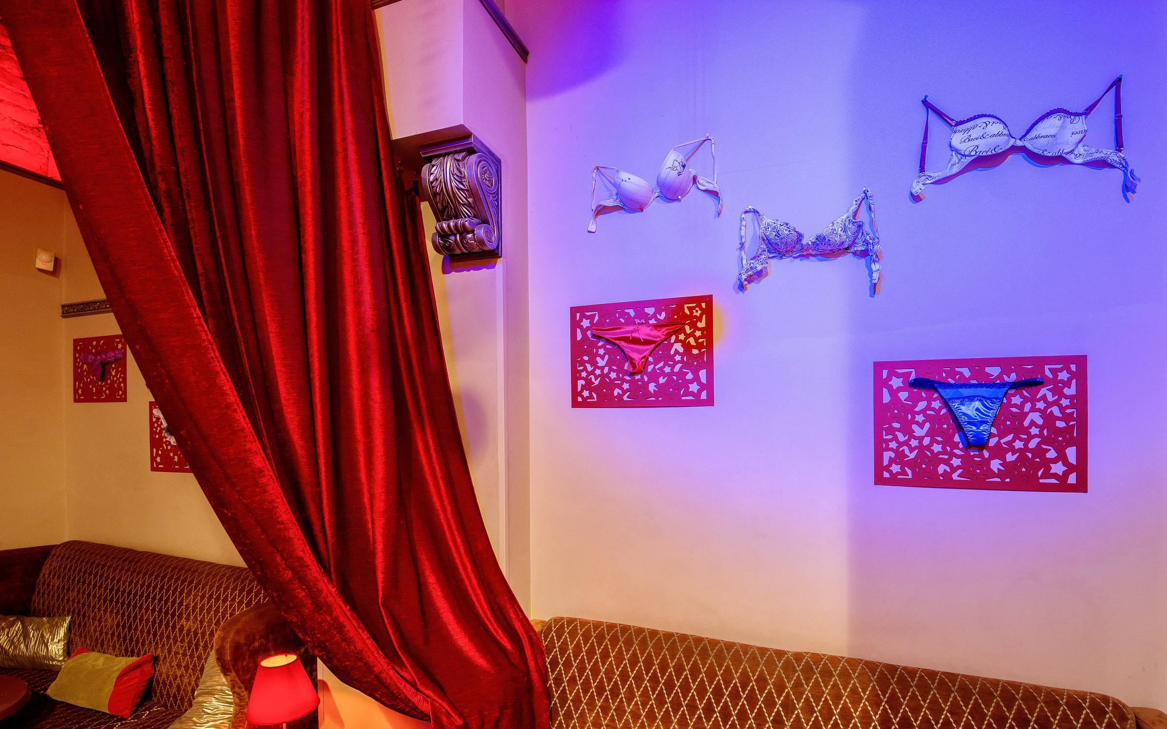Эротический массаж в Санкт-Петербурге голден релакс проститутка с аппартаментами Новолитовская ул.
