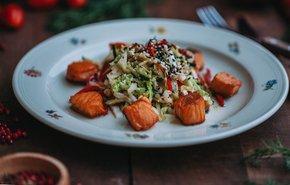 фотография Теплый салат с лососем