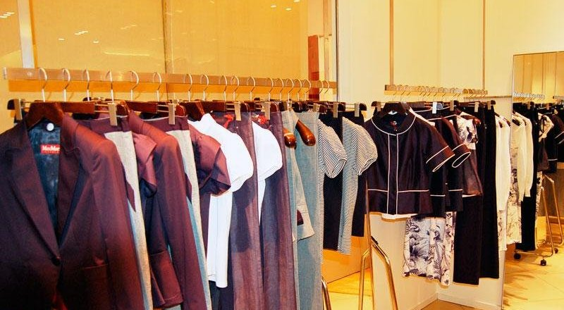 0068fb3f2 Магазин женской одежды Max Mara в ТЦ Смоленский Пассаж - отзывы, фото,  каталог товаров, цены, телефон, адрес и как добраться - Одежда и обувь -  Москва ...