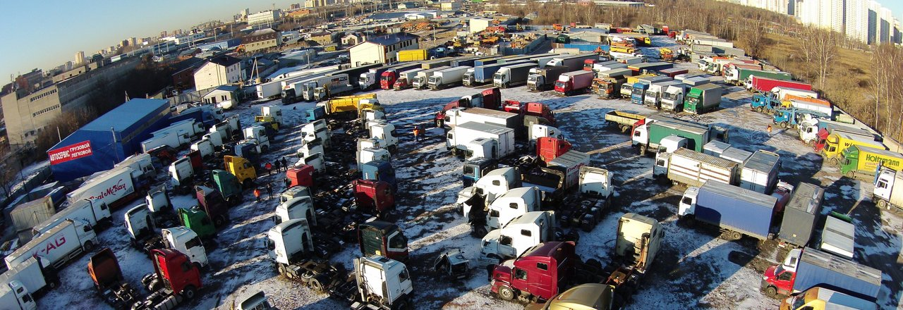 фотография Компания по продаже нового и подержанного грузового и коммерческого транспорта, спецтехники Трак-платформа на Транспортной улице, 16