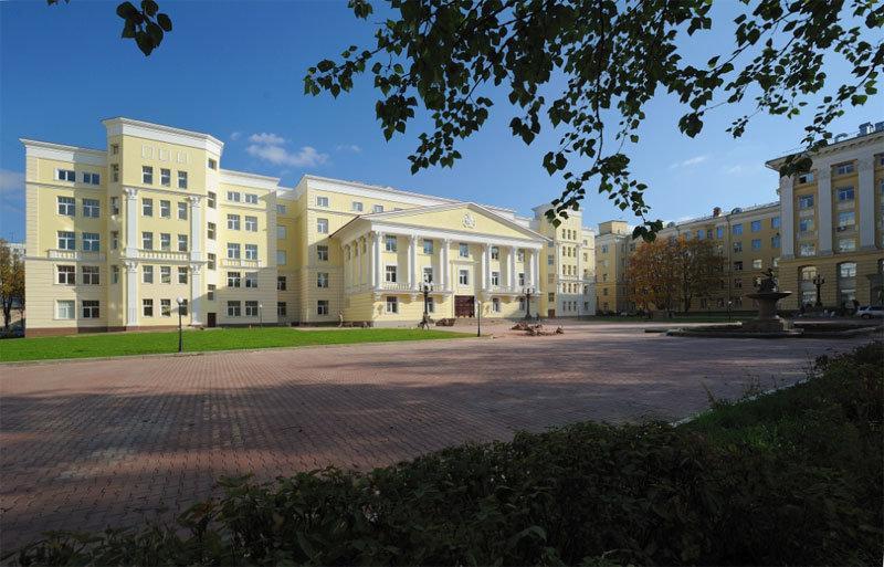 фотография Национального медико-хирургического Центра имени Н.И. Пирогова на Нижней Первомайской улице