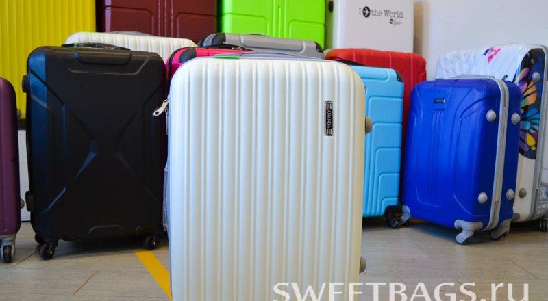 b5f684ea0896 Прайс-лист магазина сумок и чемоданов Sweetbags на Каменноостровском ...