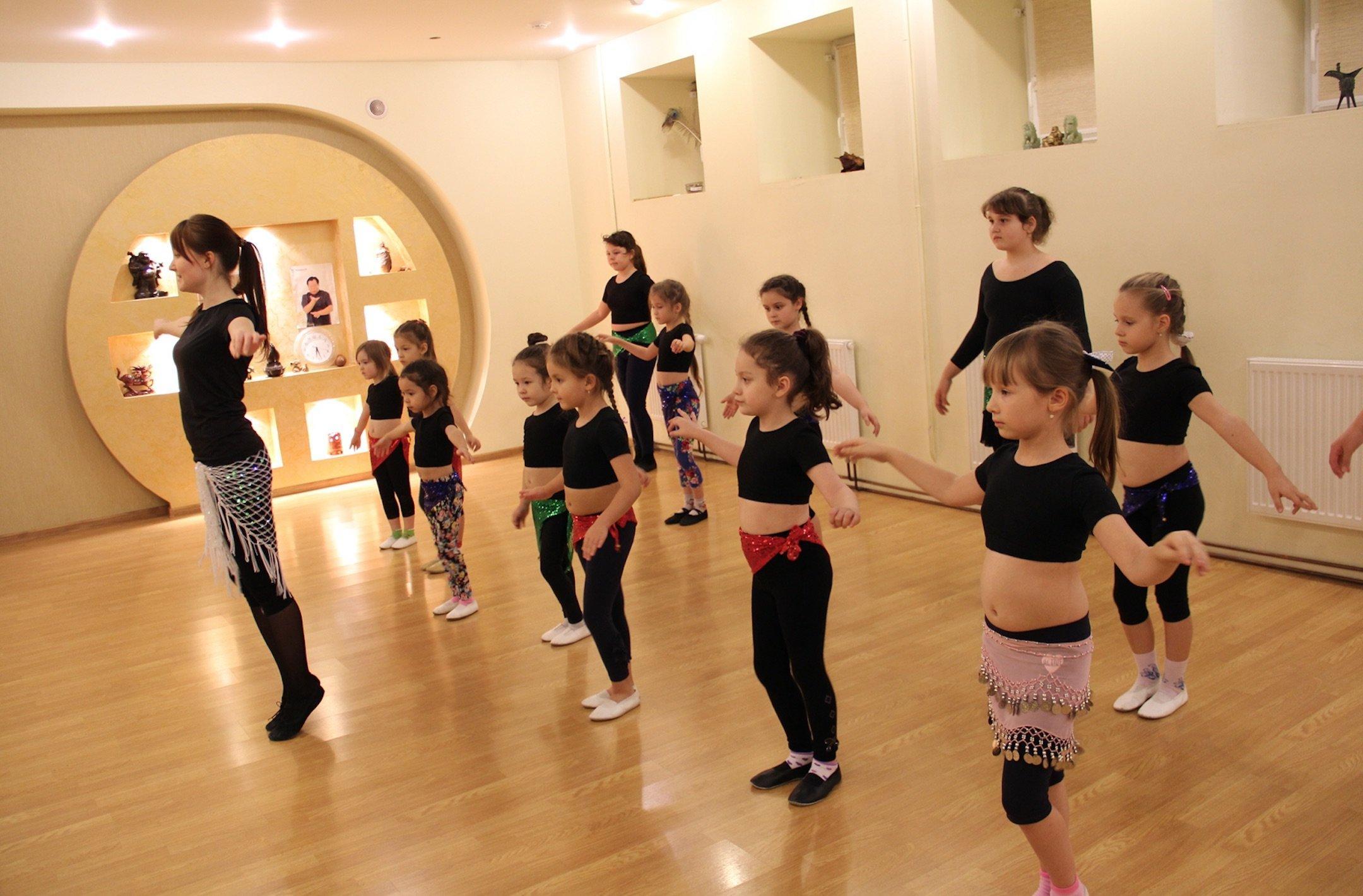 фотография Школы-студии танцев TWINS-DANCE на проспекте Октября, 142/5