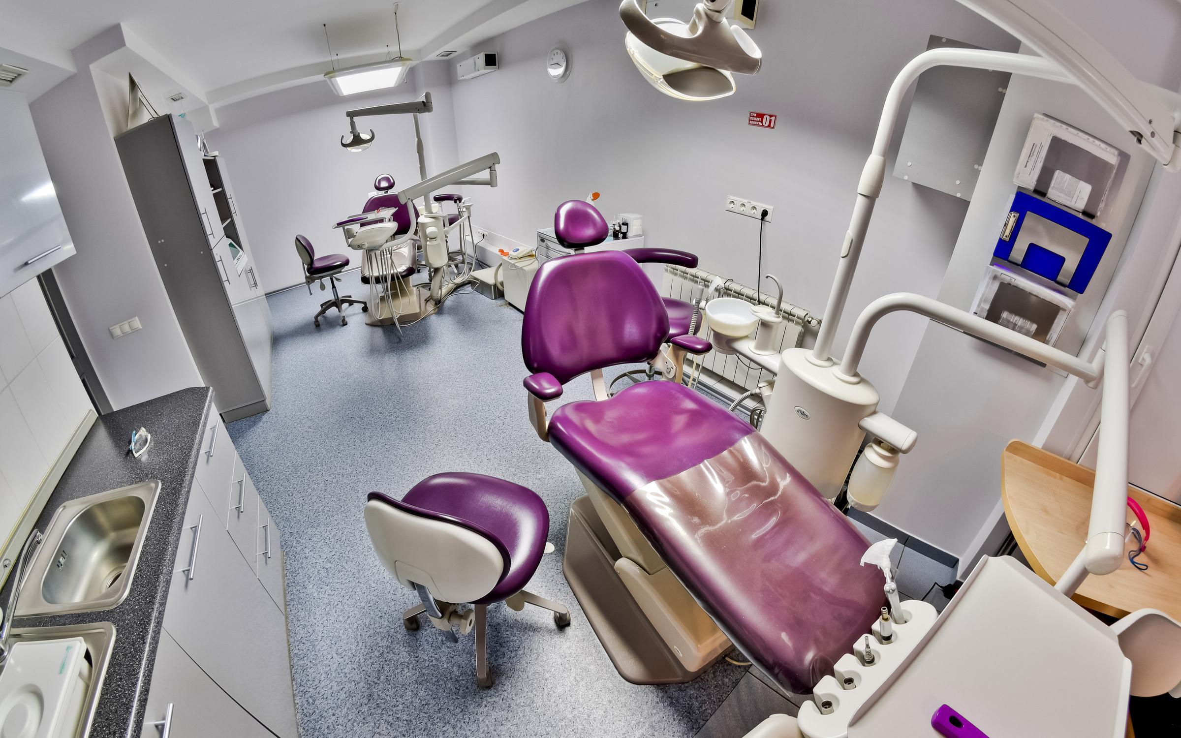 фотография Центра стоматологии в Нефтяниках на улице Химиков