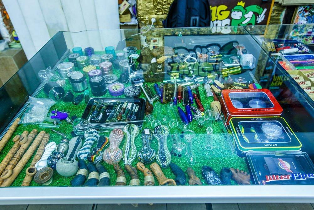 Специализированный магазин табачных изделий в екатеринбурге куплю сигареты оптом прилуки