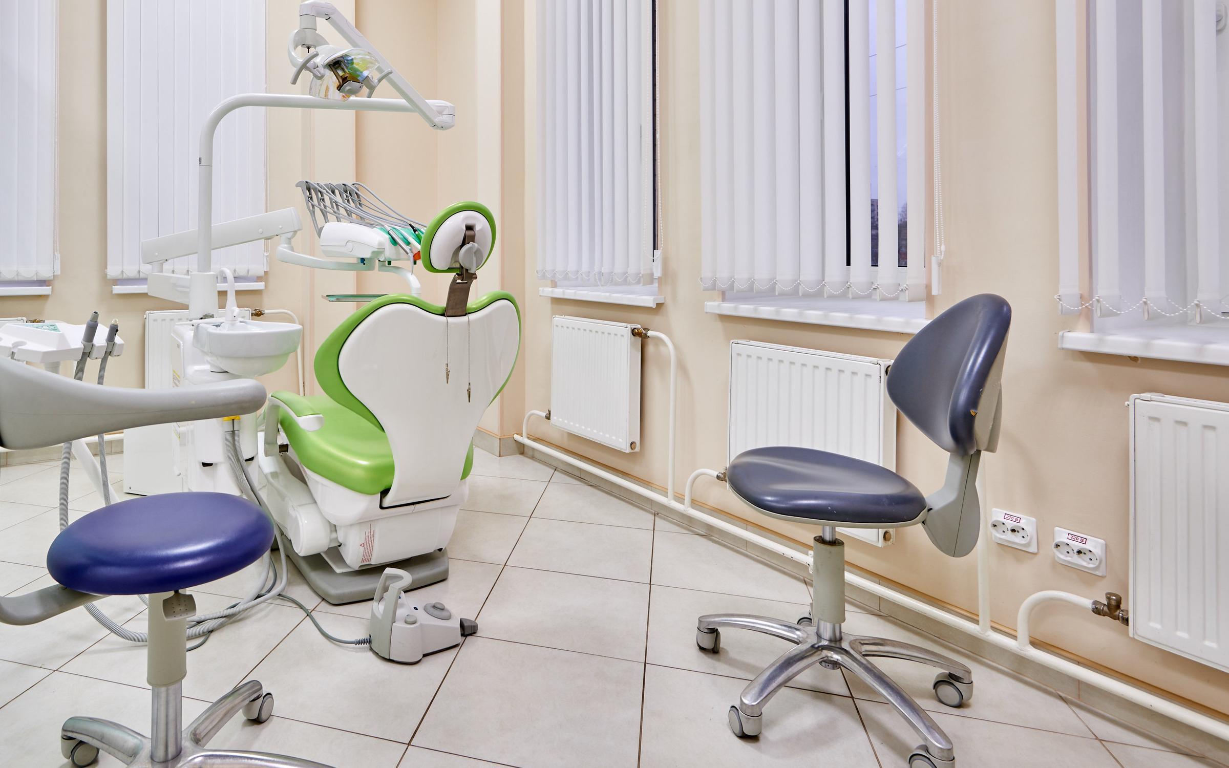 фотография Центра имплантации и стоматологии ИНТАН на Бухарестской улице