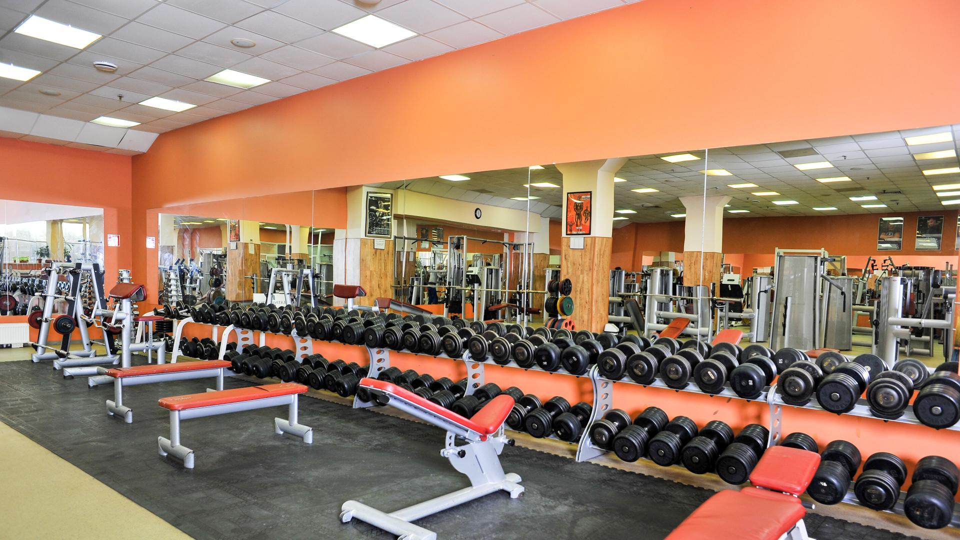 Групповые и индивидуальные занятия по фитнесу, йоге, аэробике и другим видам спорта проводятся в оздоровительных центрах района кузьминки в москве ежедневно.