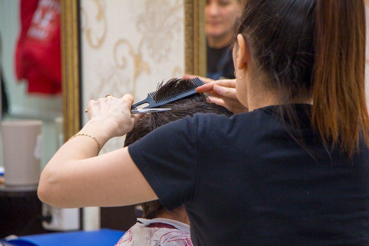 фотография Федеральная сеть салонов красоты ЦирюльникЪ на улице Миронова