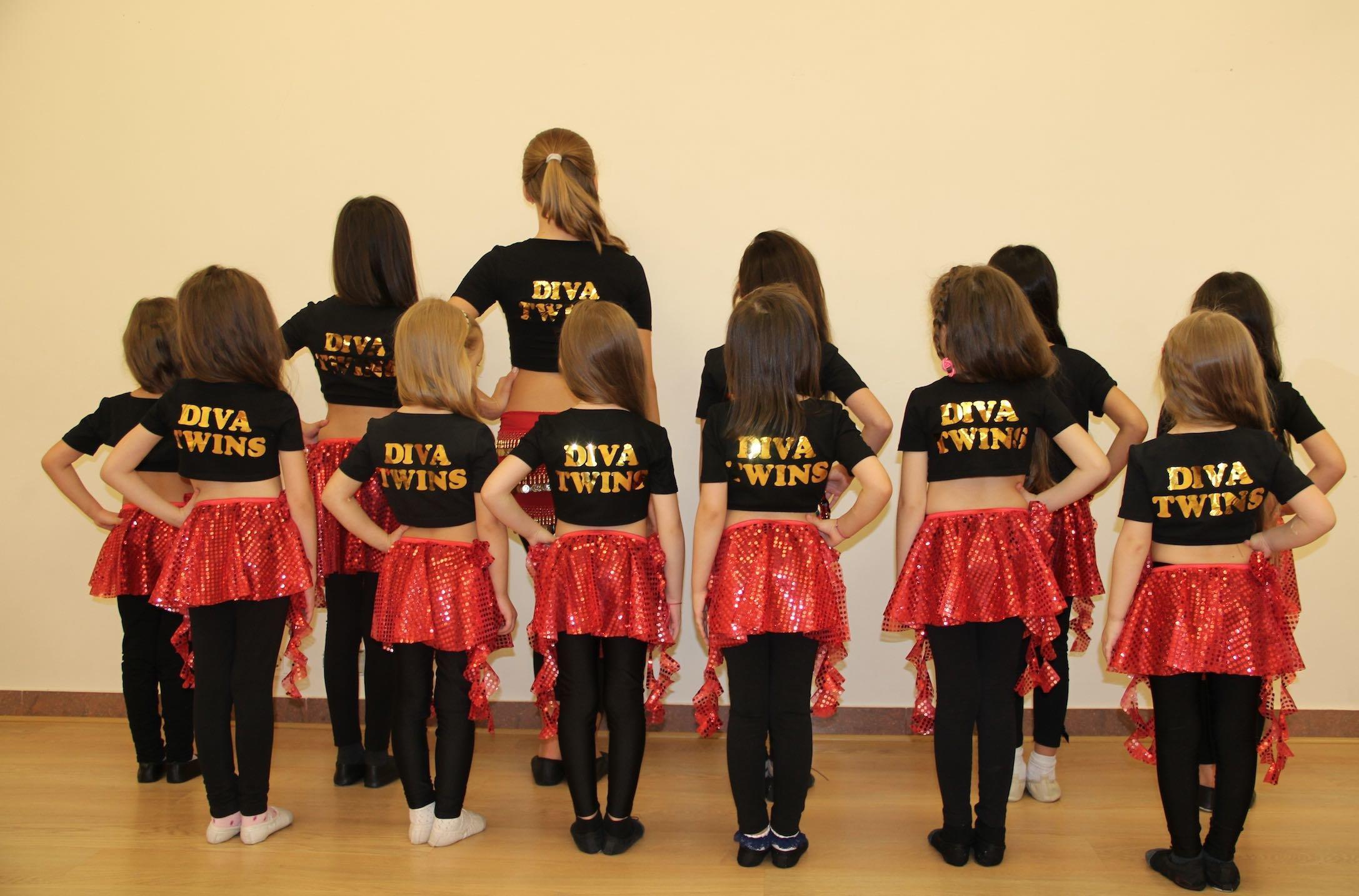 фотография Школы-студии танцев TWINS-DANCE на проспекте Октября, 85/2