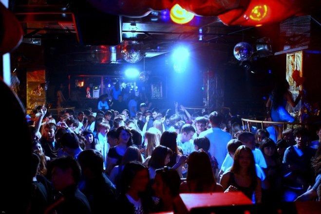 Ночные клубы вакансии уфа путин в клубе москва