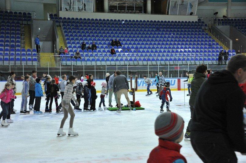 фотография Каток дворца спорта Олимпийский на улице Зубковой, 12 к 2