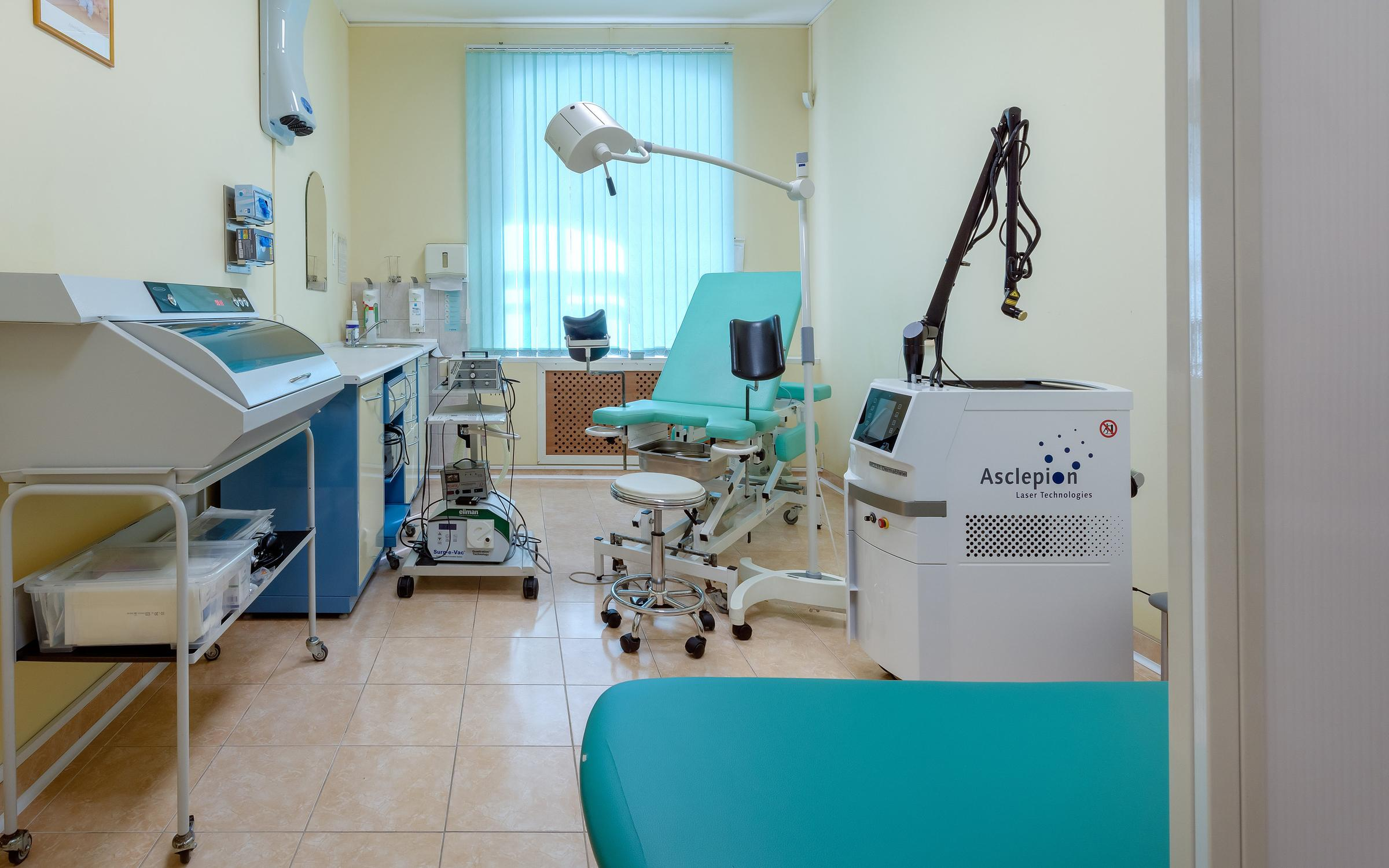 фотография Многопрофильной клиники ОНА на набережной реки Фонтанки