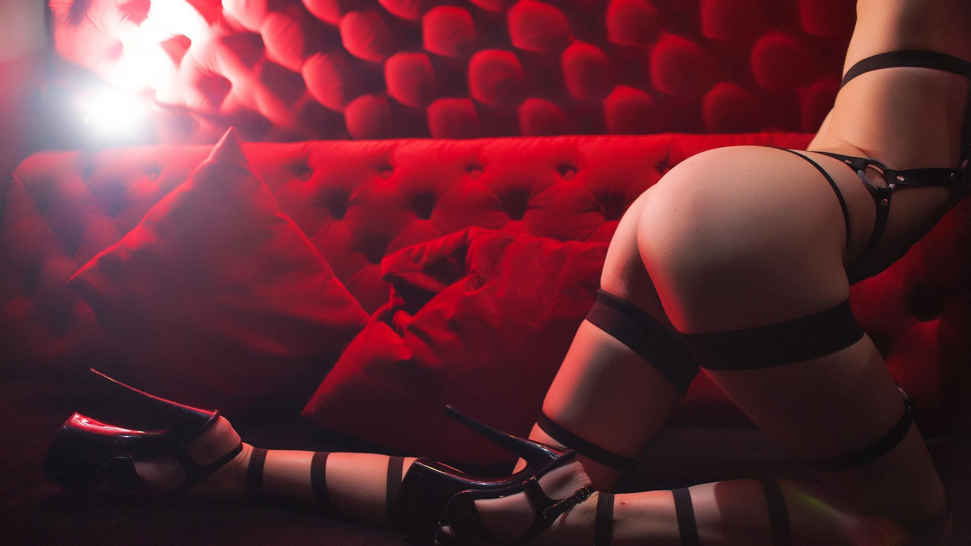 приватный танец эротическое видео