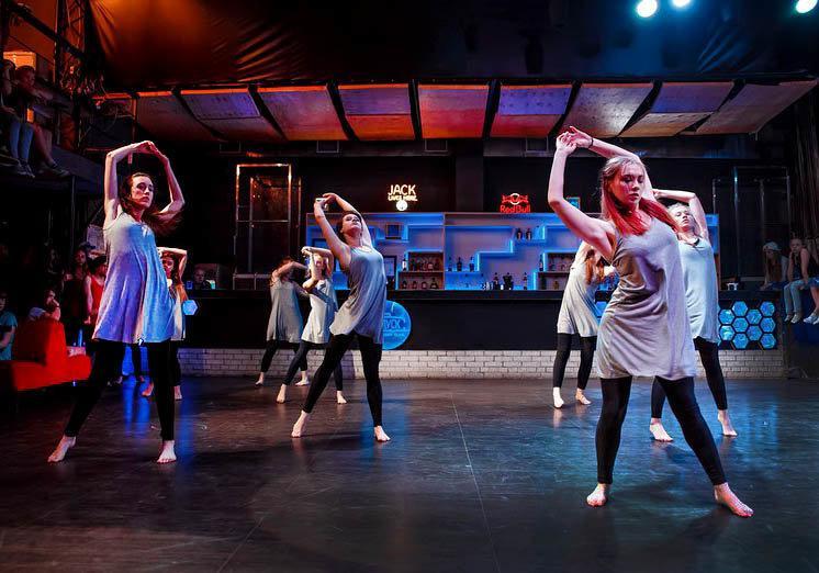 фотография Школа танцев на пилоне Wave на проспекте Мира
