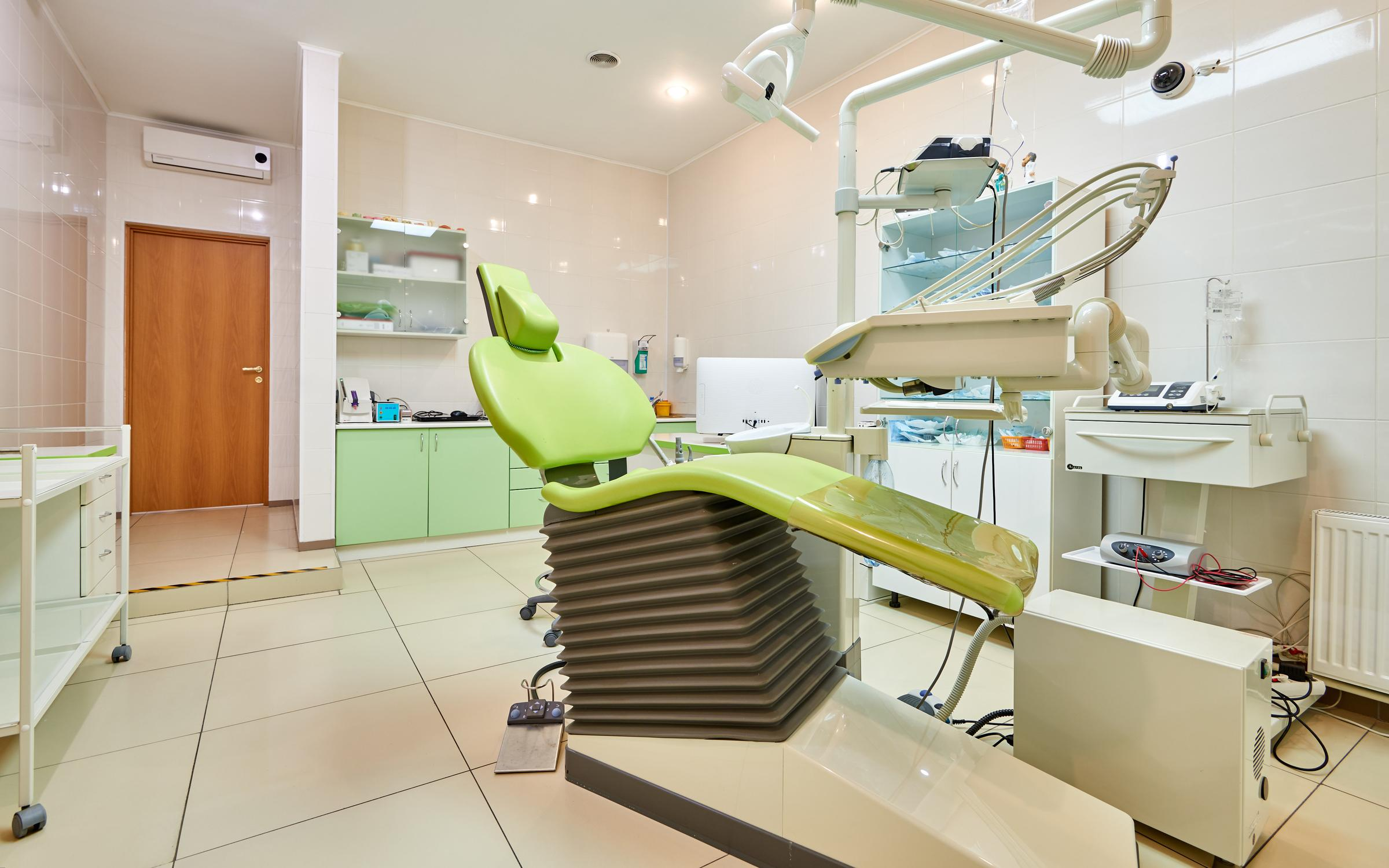 фотография Центра имплантации и стоматологии ИНТАН на проспекте Луначарского